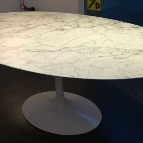 Knoll - Saarinen Tulip Table